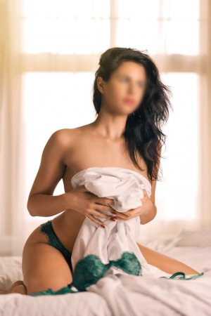 Marie-helene escort in Shoreline Washington