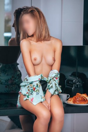 Maelle incall escorts